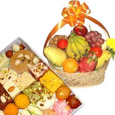 fresh-fruit-basket-with-mithai
